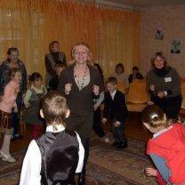 Т.С. Медюхо с учениками школы в гостях у воспитанников приюта